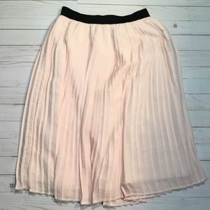 Abercrombie&Fitch light pink pleated skirt size s
